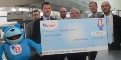 Butagaz remet un chèque de 10 000 € aux apprentis de la filière hôtellerie restauration
