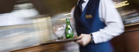 Serveur HCR - Commercialisation et Services en Hôtel-Café-Restaurant